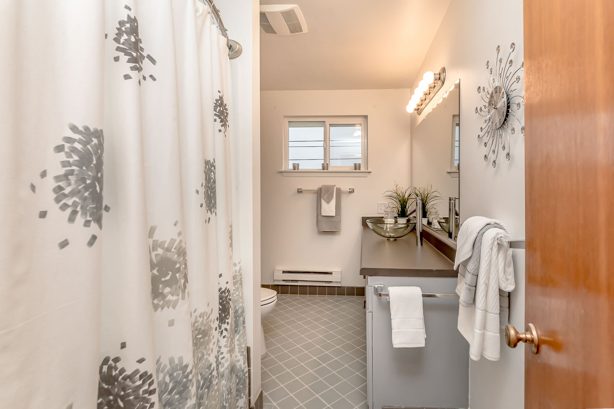 commencementbaystaging-bathroom